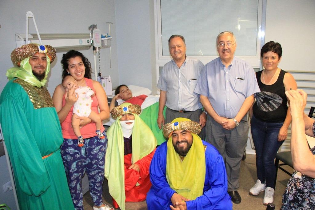 Los Reyes Magos visitaron los hospitales