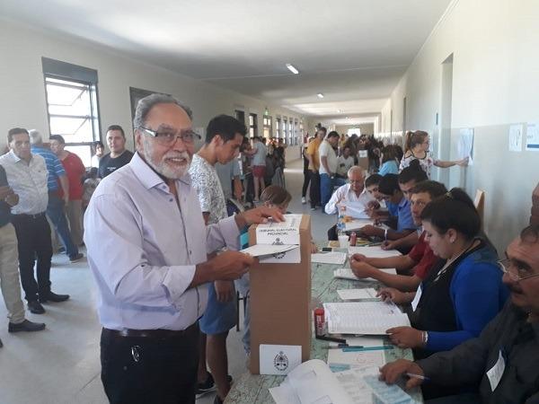 Jorge Palmero acudió a votar junto a López y Abarca