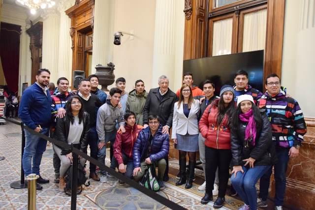 Estudiantes de Iglesia conocieron el Congreso