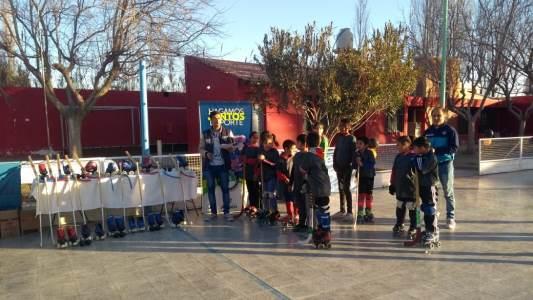 """El Municipio de Angaco creó la escuela de hockey sobre patines Municipal """"FENIX"""""""