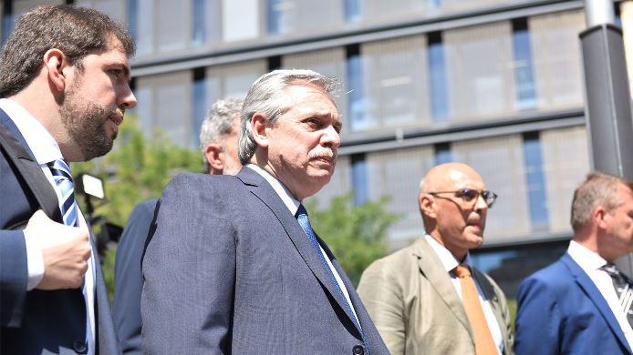 Alberto Fernández participa de un acto en Tucumán junto al gobernador Manzur