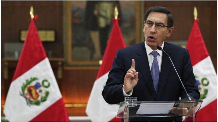 El presidente de Perú disolvió el Congreso