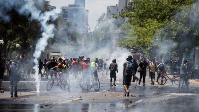 Chile: la cifra se eleva a 18 muertos, entre ellos un niño de 4 años