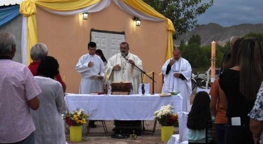 En su día, Nuestra Señora de Lourdes ya tiene su capilla en Los Berros