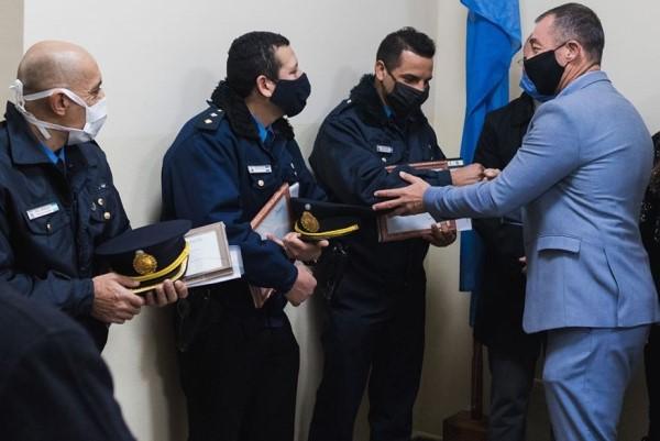 Concejales de Rivadavia destacaron la labor de dos policias que salvaron la vida de una niña
