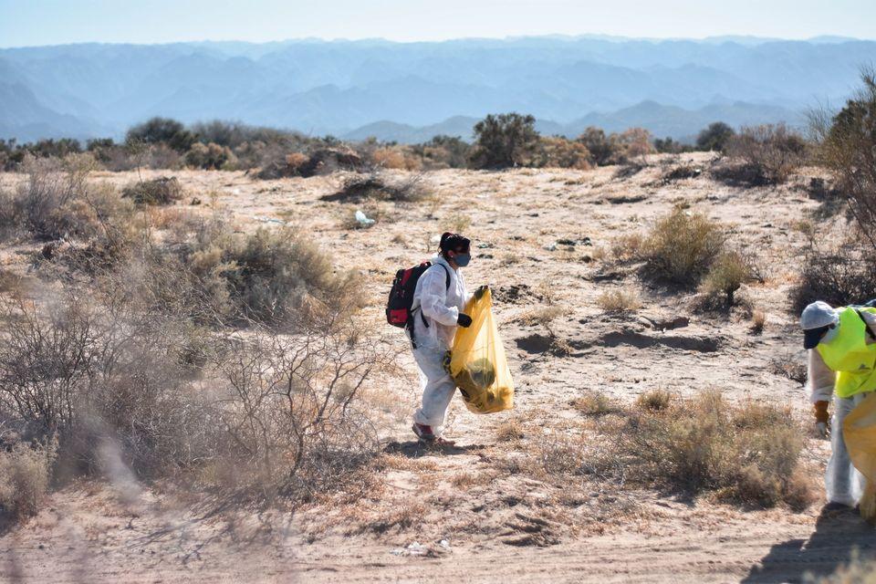 Caucete inició tareas de limpieza en las dunas con el fin de sanear la contaminación