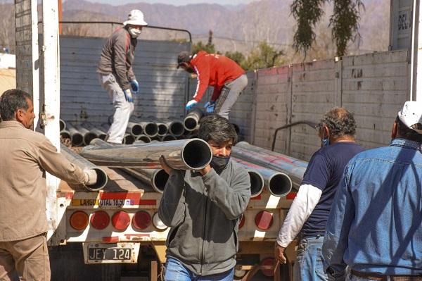 Entregaron materiales para renovar el acueducto de la zona Norte de Jáchal