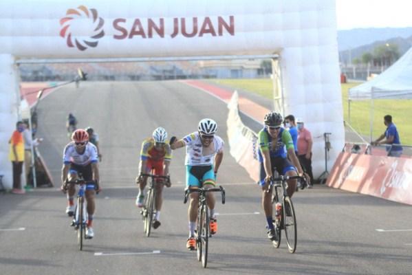 Marcos Rodríguez sorprendió en el Villicum y ganó la carrera