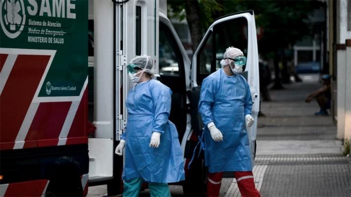 Coronavirus en la Argentina: cae el promedio de casos y los infectados activos