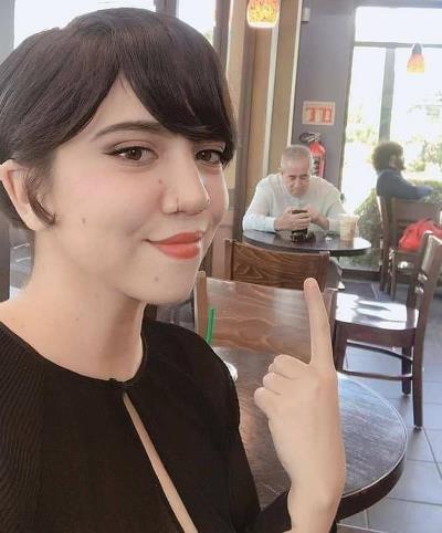 Un padre acompañó a su hija a una cita a ciegas con un chico que conoció en Tinder