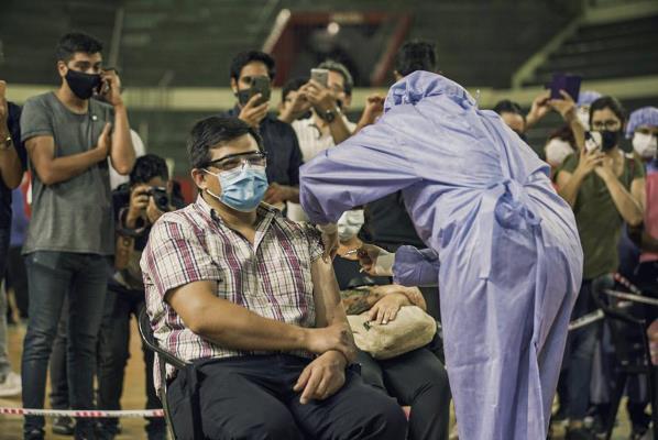 Comenzó la vacunación contra el COVID19 en el Estadio Aldo Cantoni