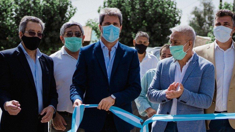 Inauguraron un polideportivo y mejoras para la red de agua en 25 de Mayo