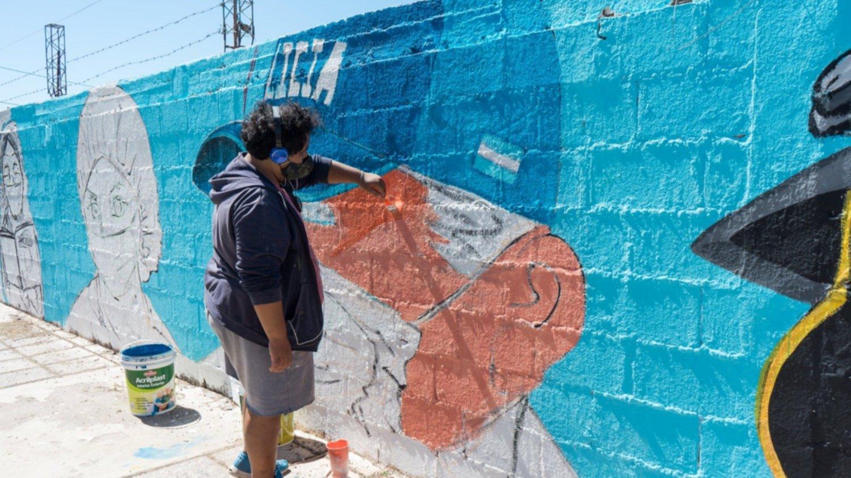 Con un mural, Rawson homenajea a los trabajadores esenciales