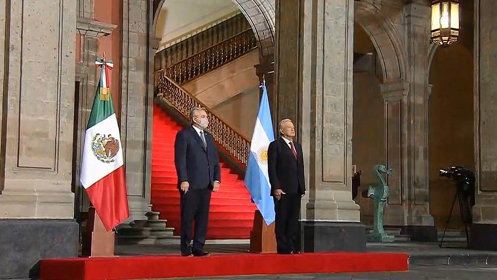 El presidente Alberto Fernández fue recibido en México por  López Obrador