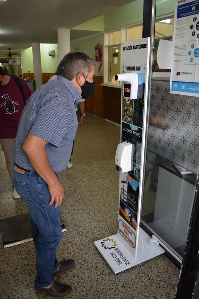 Instalaron estaciones sanitizantes en la Municipalidad de Valle Fértil
