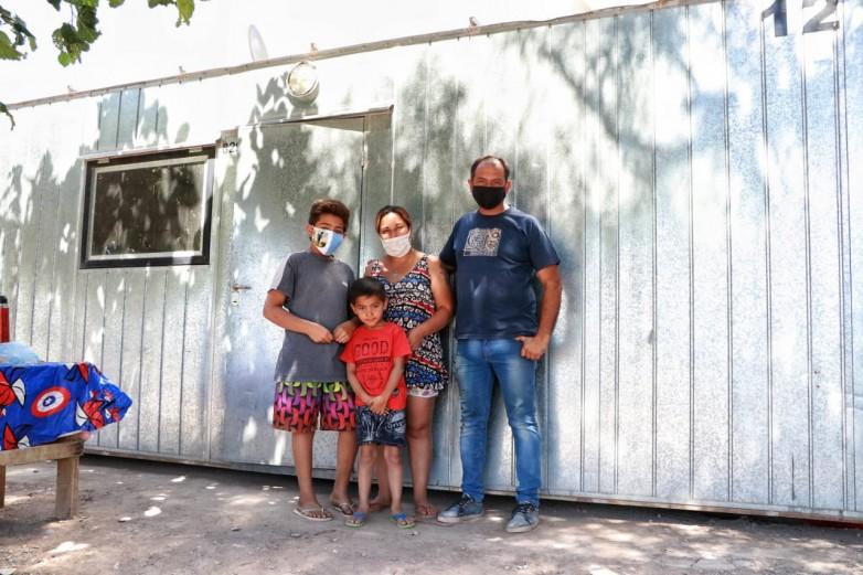 Comenzó la entrega de módulos habitacionales para las familias que perdieron su vivienda por el terremoto