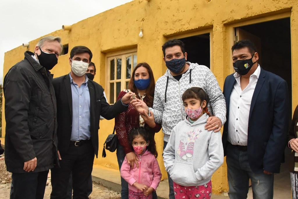 Zonda: las familias afectadas por el terremoto ya tienen sus nuevas viviendas