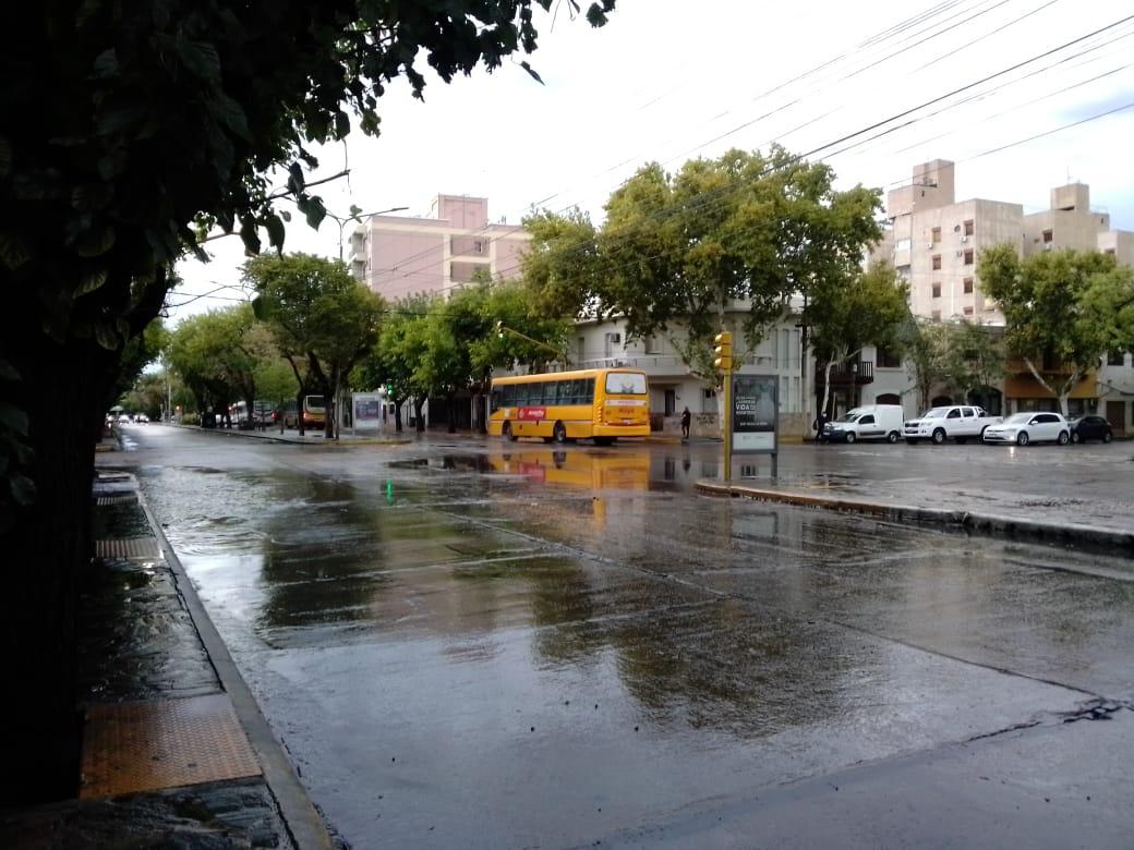 Lluvia en San Juan: se suspenden las clases en algunos departamentos