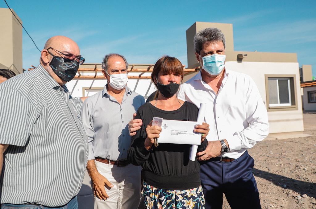 Ullum: entregaron viviendas en el barrio Grimalt