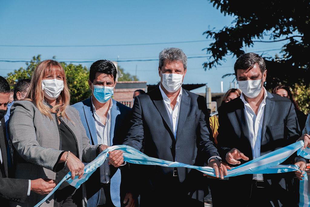 San Martín: Uñac y Andino entregaron viviendas e inauguraron un centro de salud