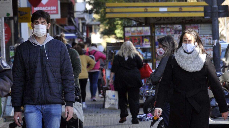 El Ministerio de Salud bonaerense estima que dentro de 10 o 15 días habrá cerca de 50 mil casos diarios de coronavirus