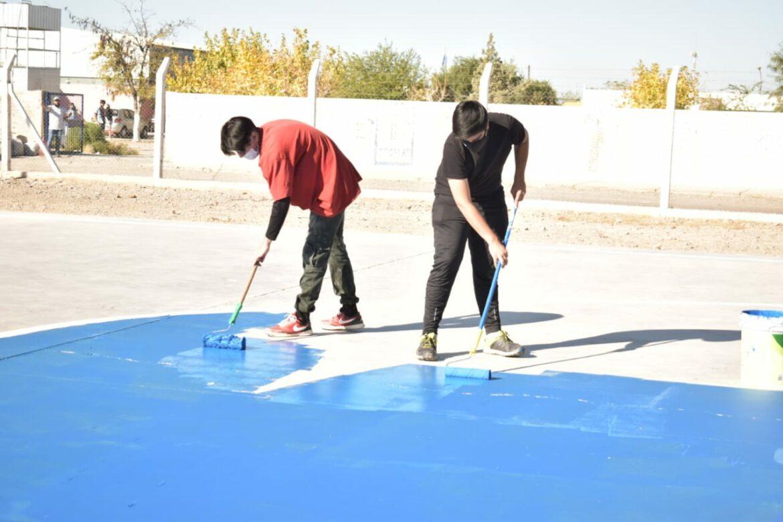 Jóvenes rawsinos participaron en una jornada de limpieza