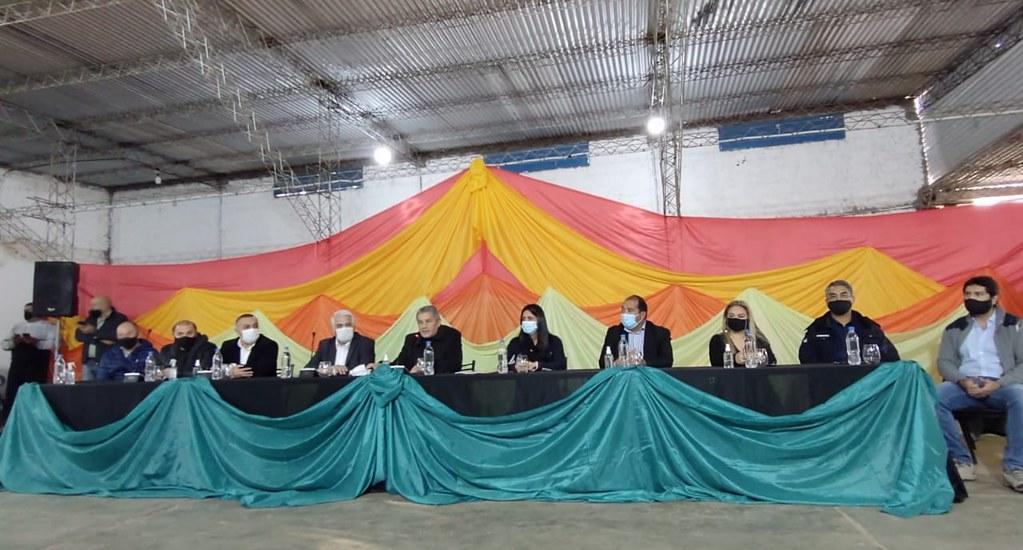 El ministro Díaz Cano presentó programas a productores de Valle Fértil