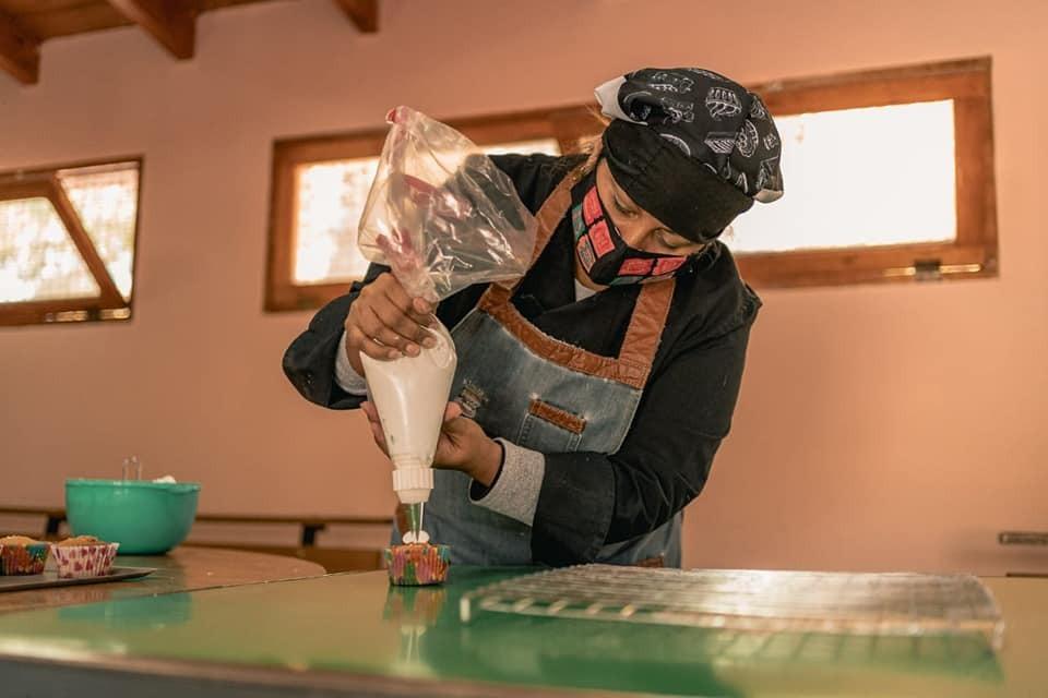 Avanza el curso de pastelería y emprendedurismo en Rivadavia
