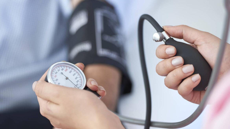 Recomiendan extremar los cuidados contra la hipertensión arterial por el coronavirus