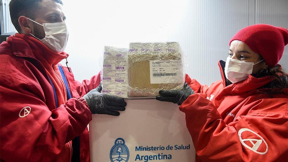 Distribuyen 811.100 dosis de AstraZeneca en todo el país