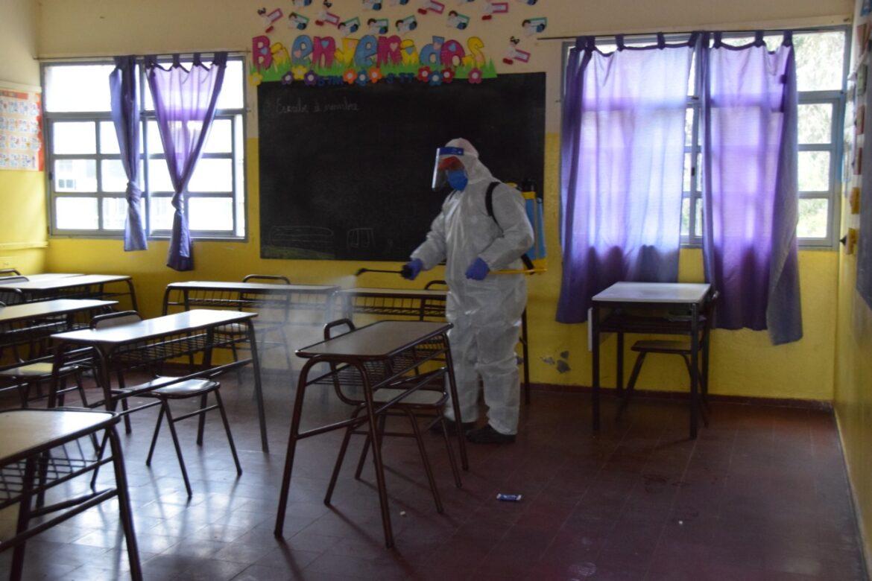 Fumigación en escuelas de Valle Fértil