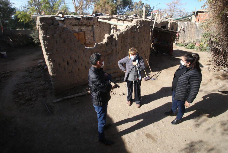 La Municipalidad de Chimbas asistió a cinco familias que perdieron sus casas por derrumbes e incendios