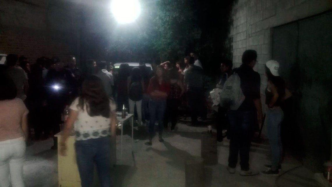 La Policía desbarató otra fiesta clandestina en 25 de Mayo