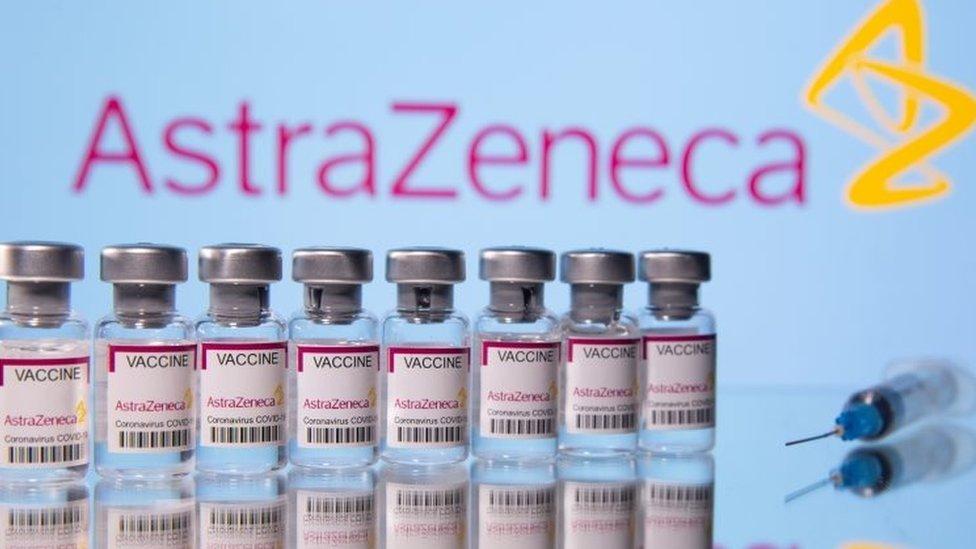 Llegan más de 800 mil dosis de AstraZeneca para reforzar la lucha contra el coronavirus