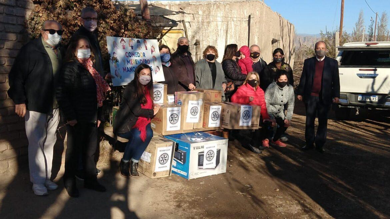 Rotary de Rivadavia continúa ayudando a merenderos de la provincia