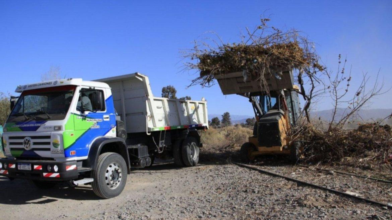 Angaco: Operativo de salud y limpieza a unas 80 familias de Villa Sefair