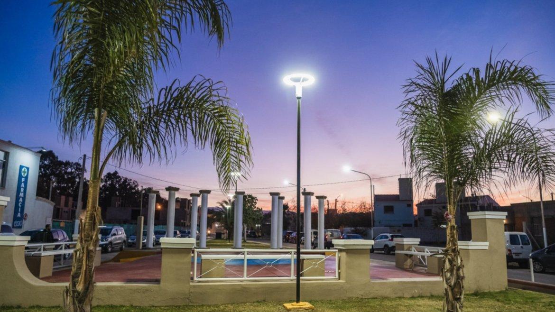Remodelaron una plazoleta de una zona clave de Rivadavia