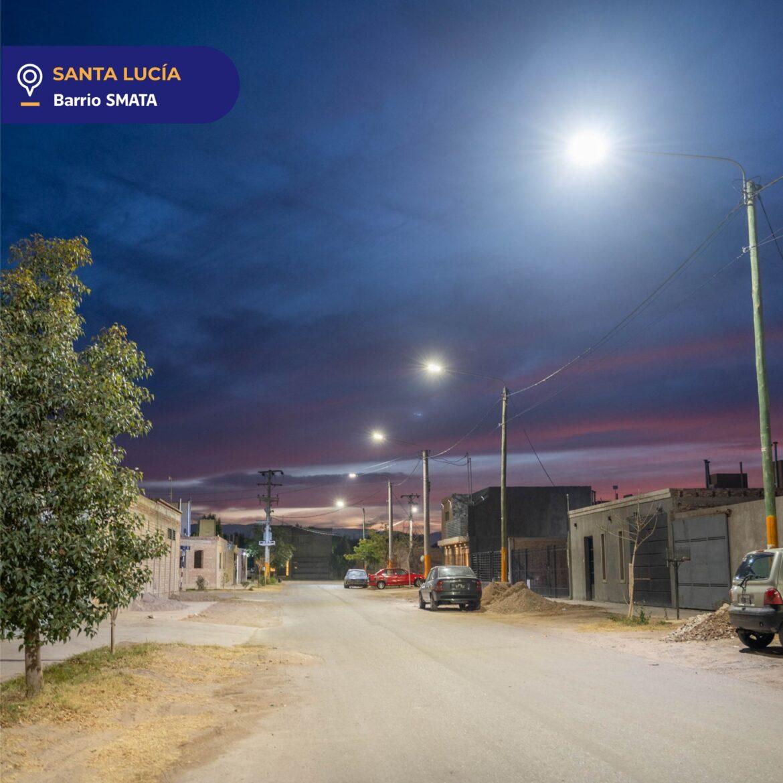 En Santa Lucía se hizo la luz en Alto de Sierra y en el Bº Smata con nuevas luminarias