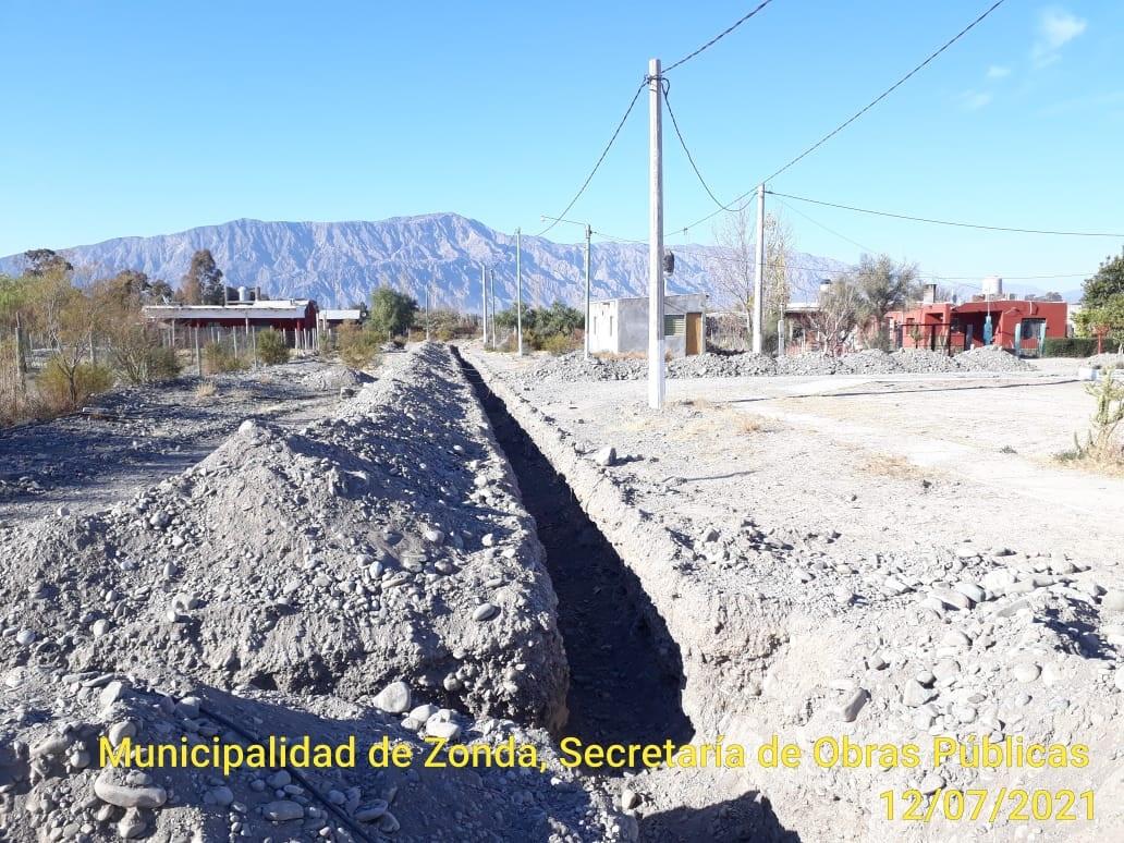 Zonda: más servicios vitales a vecinos de Villa Doniza