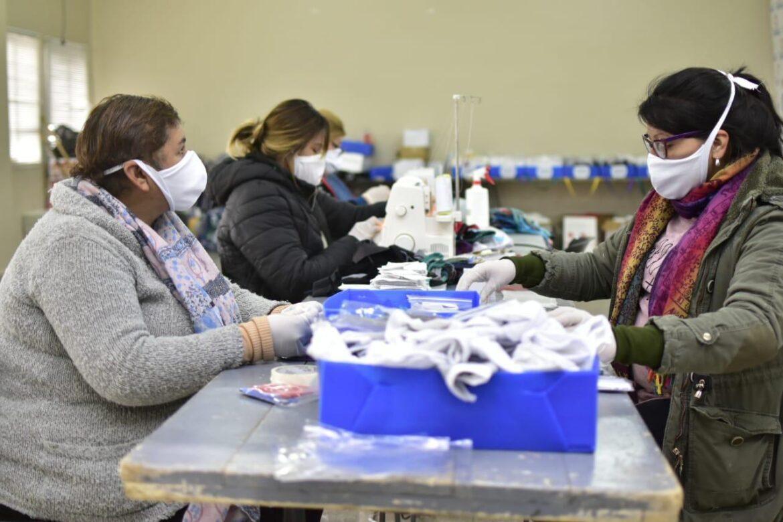 Nueva entrega de más de 20.000 cubre bocas gratuitos para los chimberos
