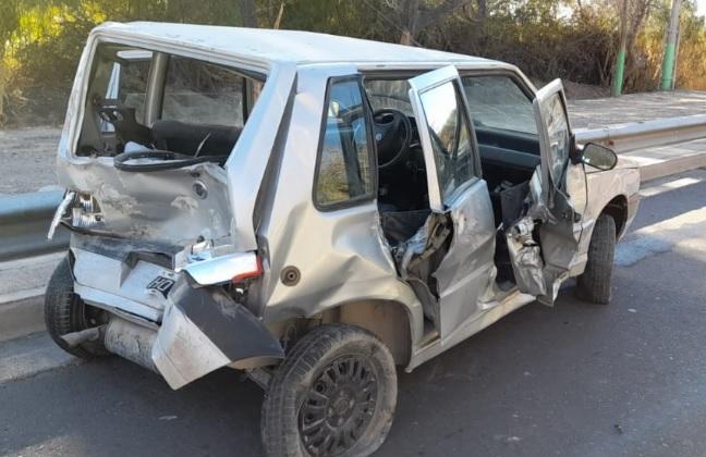 Un choque en cadena terminó con varios autos destrozados en Rivadavia